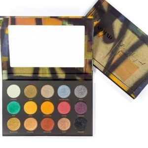 Huge makeup pallete bundle